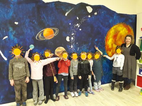 MAEL-CARHAIX : Une fresque pour comprendre le système solaire !