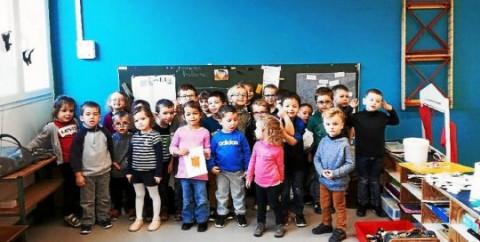 LANDIVISIAU - École Ste Marie. Nouvelle peinture pour la classe bilingue