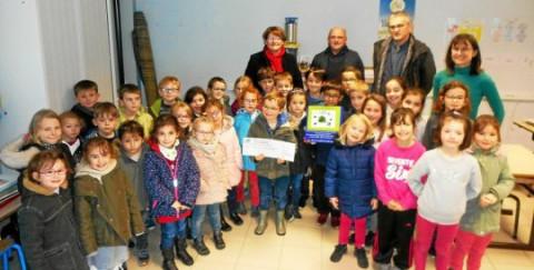 """LANDEVANT - les """"Trophées de Vie Locale"""", pour l'engagement écologique des élèves"""