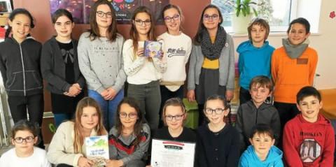 PLOUESCAT - École Notre-Dame. Les élèves bilingues au festival Kan ar Bobl à Lesneven
