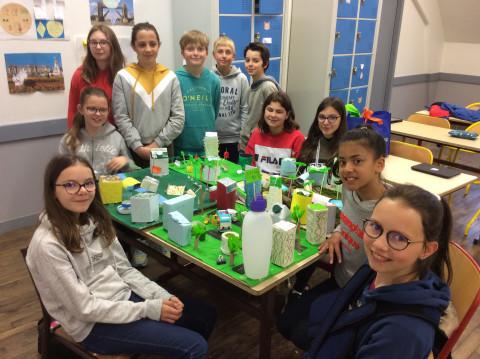 SAINTE-ANNE-D'AURAY - Les élèves de 6eme inventent une ville de demain écologique