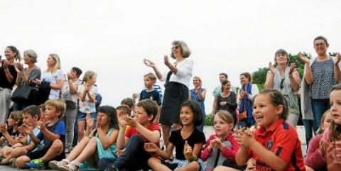 LOCOAL-MENDON - N-D. des Fleurs. Marie-Christine Le Quillec remise son cartable