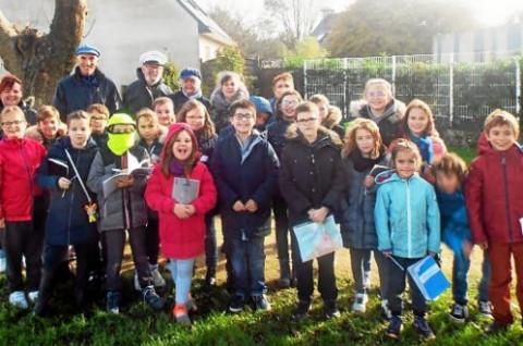 GUILERS - École Sainte-Thérèse. Les élèves visitent les sites importants de Guilers