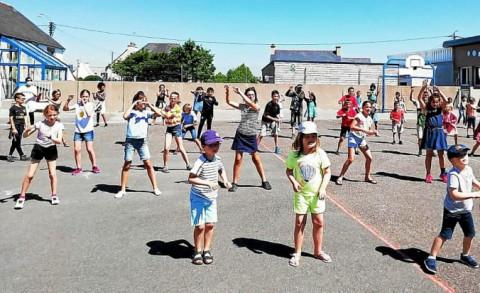GUILERS - Les élèves de Sainte-Thérèse se défoulent au rythme de la zumba
