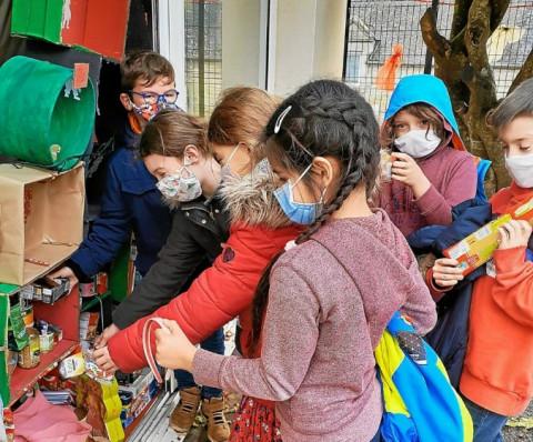 MONTERBLANC - L'école bilingue Notre-Dame de la Croix se met aux couleurs de Noël