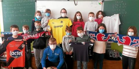 MUZILLAC - Les élèves échangent en breton avec un arbitre de foot bilingue