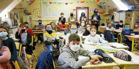 PLOUEDERN - Des livres pour l'école de Saint-Edern
