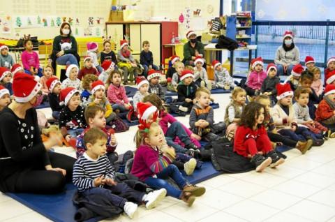PLOUEDERN - Spectacle de Noël bilingue à l'école Saint-Edern