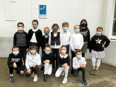 LANDIVISIAU - S'habiller en gwen ha du pour célébrer la Bretagne à l'école Notre-Dame-des-Victoires