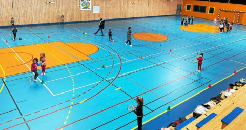 SAINT-RENAN - Notre Dame de Liesse, des séances pédagogiques de tennis avec le Tennis Club de Saint-Renan