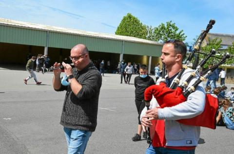 LANNION - La première « classe bagad » des Côtes-d'Armor au collège Saint-Joseph-Bossuet