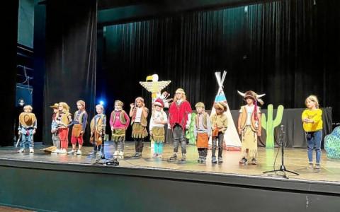 PLOUDALMEZEAU - Un beau spectacle de fin d'année à l'école Sainte-Anne